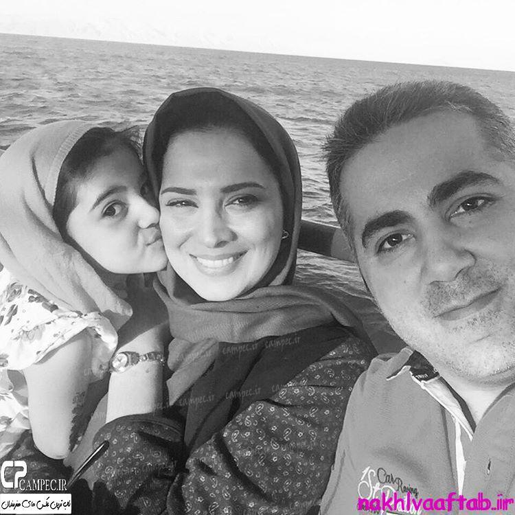 عکس روشنک عجمیان با همسر و دخترش در زمستان 94